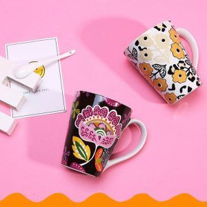 CUPS & MUGS فناجين و أكواب